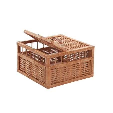 Wicker basket for pigeons